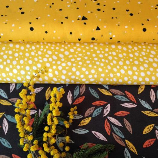 #jaune #jaunemoutarde #tissusfleuris #tissusapois #coton #rayonne #mimosa #mercerie #merceriecreative #clisson #vignoblenantais